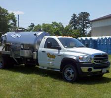 portable-restroom-truck1